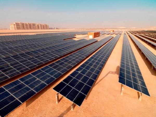 Dubai-solar-panels-600x449